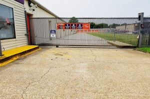 Image of Public Storage - Bossier City - 4614 Barksdale Blvd Facility on 4614 Barksdale Blvd  in Bossier City, LA - View 4