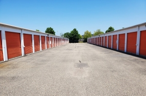 Public Storage - Maple Grove - 11601 Lakeland Dr - Photo 2