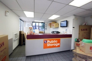 Image of Public Storage - Chicago - 5901 S Harlem Ave Facility on 5901 S Harlem Ave  in Chicago, IL - View 3
