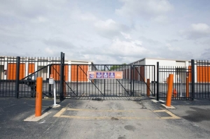 Image of Public Storage - Chicago - 5901 S Harlem Ave Facility on 5901 S Harlem Ave  in Chicago, IL - View 4