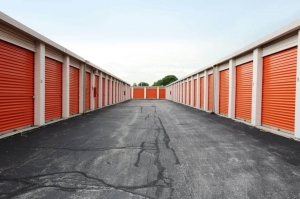 Image of Public Storage - Chicago - 5901 S Harlem Ave Facility on 5901 S Harlem Ave  in Chicago, IL - View 2