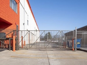 Public Storage - Arlington Heights - 20 E University Drive - Photo 4