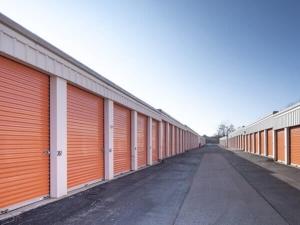 Public Storage - Schaumburg - 2400 Palmer Drive - Photo 2