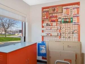 Image of Public Storage - Schaumburg - 2400 Palmer Drive Facility on 2400 Palmer Drive  in Schaumburg, IL - View 3