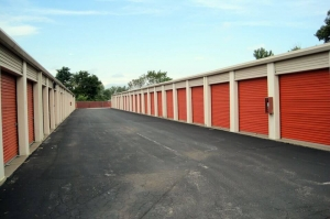 Image of Public Storage - St Charles - 1539 S Old Highway 94 Facility on 1539 S Old Highway 94  in St Charles, MO - View 2