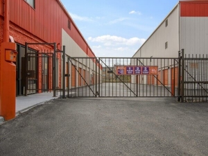 Image of Public Storage - Evanston - 2050 Green Bay Road Facility on 2050 Green Bay Road  in Evanston, IL - View 4