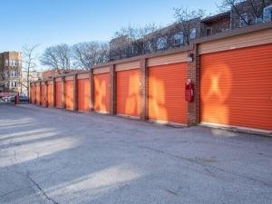 Image of Public Storage - Chicago - 2101 W Howard Street Facility on 2101 W Howard Street  in Chicago, IL - View 2