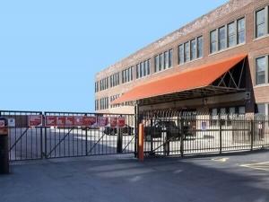 Image of Public Storage - Chicago - 2101 W Howard Street Facility on 2101 W Howard Street  in Chicago, IL - View 4