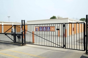 Image of Public Storage - Joliet - 2626 W Jefferson Street Facility on 2626 W Jefferson Street  in Joliet, IL - View 4