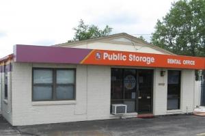 Image of Public Storage - Wichita - 1930 S Woodlawn Street Facility at 1930 S Woodlawn Street  Wichita, KS