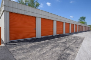 Image of Public Storage - Tinley Park - 16161 Brennan Highway Facility on 16161 Brennan Highway  in Tinley Park, IL - View 2