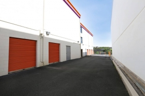 Public Storage - Aiea - 99-819 Iwaena Street - Photo 2