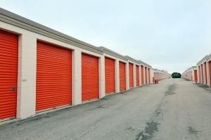 Image of Public Storage - Schaumburg - 130 Hillcrest Blvd Facility on 130 Hillcrest Blvd  in Schaumburg, IL - View 2