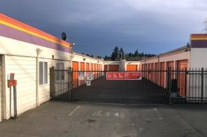 Image of Public Storage - Gresham - 2190 NW Burnside Rd Facility on 2190 NW Burnside Rd  in Gresham, OR - View 4