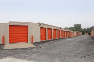 Image of Public Storage - Country Club Hills - 18400 Cicero Ave Facility on 18400 Cicero Ave  in Country Club Hills, IL - View 2