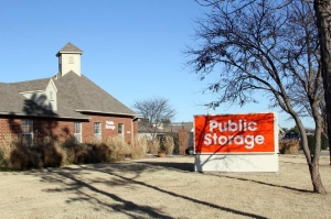 Public Storage - Moore - 905 SE 19th St - Photo 1