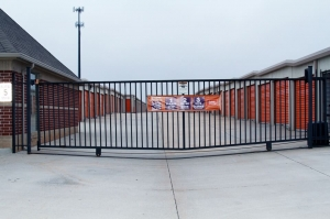 Image of Public Storage - Moore - 905 SE 19th St Facility on 905 SE 19th St  in Moore, OK - View 4