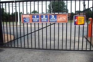 Image of Public Storage - Memphis - 4500 Winchester Road Facility on 4500 Winchester Road  in Memphis, TN - View 4