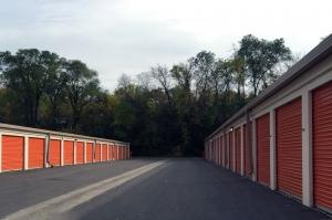 Image of Public Storage - St Louis Park - 3200 France Ave S Facility on 3200 France Ave S  in St Louis Park, MN - View 2