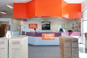 Image of Public Storage - Lakewood - 305 S Union Blvd Facility on 305 S Union Blvd  in Lakewood, CO - View 3