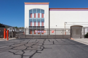 Image of Public Storage - Lakewood - 305 S Union Blvd Facility on 305 S Union Blvd  in Lakewood, CO - View 4