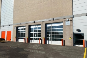 Image of Public Storage - Chicago - 5160 N Northwest Hwy Facility on 5160 N Northwest Hwy  in Chicago, IL - View 4