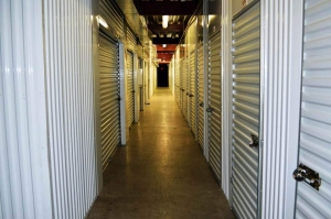 Image of Public Storage - Portland - 8437 SW Barbur Blvd Facility on 8437 SW Barbur Blvd  in Portland, OR - View 2