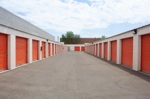 Image of Public Storage - Tempe - 700 W Warner Rd Facility on 700 W Warner Rd  in Tempe, AZ - View 2