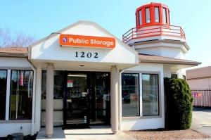 Public Storage - Portland - 1202 SE 82nd Ave - Photo 1