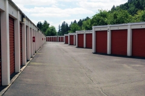 Image of Public Storage - Gresham - 2730 NW Division St Facility on 2730 NW Division St  in Gresham, OR - View 2
