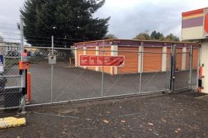 Image of Public Storage - Portland - 13515 NE Prescott Court Facility on 13515 NE Prescott Court  in Portland, OR - View 4