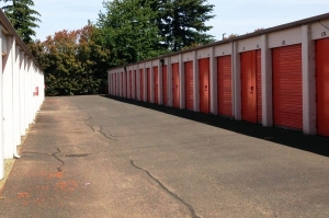 Image of Public Storage - Portland - 13515 NE Prescott Court Facility on 13515 NE Prescott Court  in Portland, OR - View 2