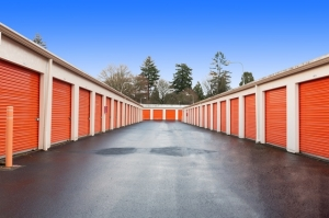 Image of Public Storage - Portland - 2542 SE 105th Ave Facility on 2542 SE 105th Ave  in Portland, OR - View 2