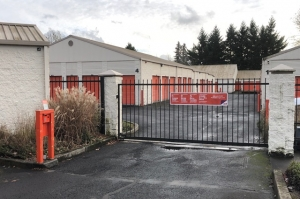 Image of Public Storage - Gresham - 2636 NE Hogan Dr Facility on 2636 NE Hogan Road  in Gresham, OR - View 4