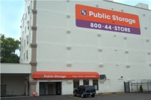 Image of Public Storage - Portland - 1620 NE Sandy Blvd Facility at 1620 NE Sandy Blvd  Portland, OR