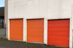 Image of Public Storage - Portland - 1620 NE Sandy Blvd Facility on 1620 NE Sandy Blvd  in Portland, OR - View 2