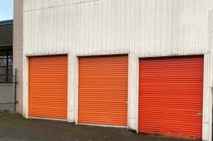 Image of Public Storage - Portland - 1620 NE Sandy Blvd Facility on 1620 NE Sandy Blvd  in Portland, OR - View 2
