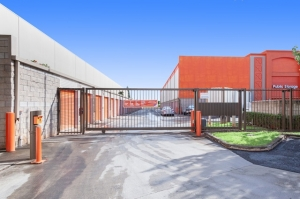 Image of Public Storage - Waipahu - 94-1355 Waipio Uka Street Facility on 94-1355 Waipio Uka Street  in Waipahu, HI - View 4