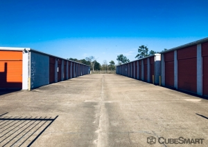 Image of CubeSmart Self Storage - Dickinson Facility on 3817 Gulf Freeway  in Dickinson, TX - View 3