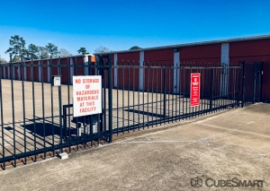 Image of CubeSmart Self Storage - Dickinson Facility on 3817 Gulf Freeway  in Dickinson, TX - View 4