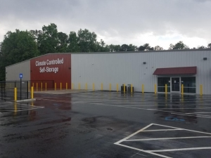 Image of Life Storage - Riverdale - 7905 Georgia 85 Facility on 7905 Georgia 85  in Riverdale, GA - View 3