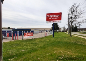Image of CubeSmart Self Storage - Westland Facility on 39205 Ford Road  in Westland, MI - View 2