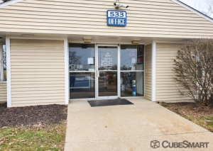 Image of CubeSmart Self Storage - Wyoming Facility on 533 36th St  in Wyoming, MI - View 2