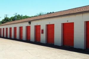 Image of Public Storage - Chattanooga - 7822 E Brainerd Road Facility on 7822 E Brainerd Road  in Chattanooga, TN - View 2