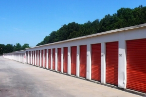 Image of Public Storage - Forest Park - 4889 Old Dixie Hwy Facility on 4889 Old Dixie Hwy  in Forest Park, GA - View 2