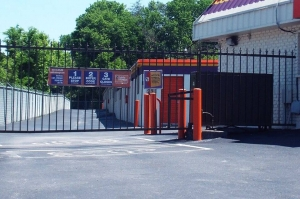 Image of Public Storage - Red Bank - 101 Harding Road Facility on 101 Harding Road  in Red Bank, TN - View 4