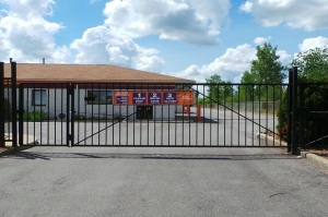 Public Storage - Fort Wayne - 5519 Illinois Road - Photo 4