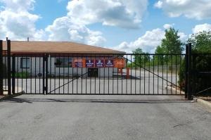 Image of Public Storage - Fort Wayne - 5519 Illinois Road Facility on 5519 Illinois Road  in Fort Wayne, IN - View 4