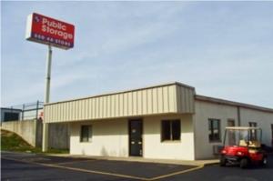 Image of Public Storage - Columbus - 4600 Kenny Road Facility at 4600 Kenny Road  Columbus, OH