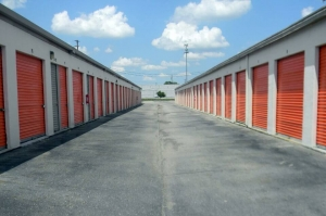 Image of Public Storage - Columbus - 4600 Kenny Road Facility on 4600 Kenny Road  in Columbus, OH - View 2